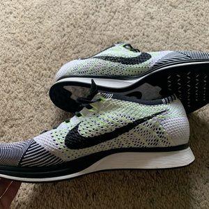 Men's Nike flyknit